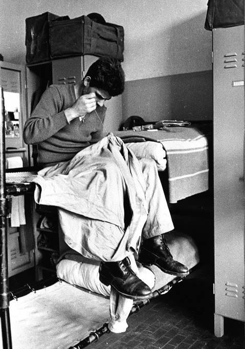 Vita di leva quando era d obbligo il servizio militare - Cubo letto militare ...