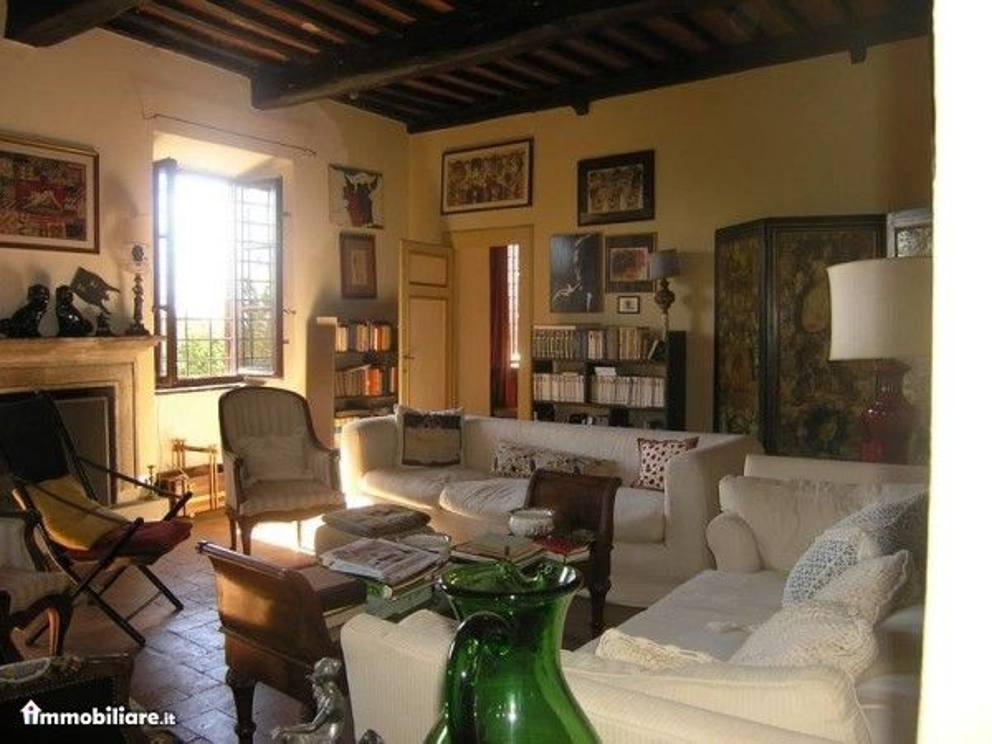La villa di mastroianni in vendita prezzo 1 milione e 200 for Ville in vendita appia antica