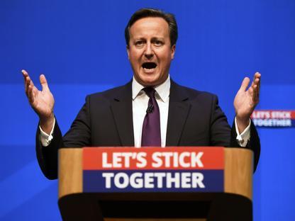 Il premier britannico David Cameron ad Aberdeen (Reuters)