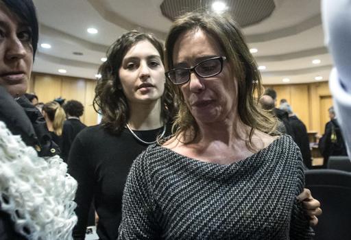 Le lacrime di Ilaria Cucchi, sorella di Stefano (Ansa)