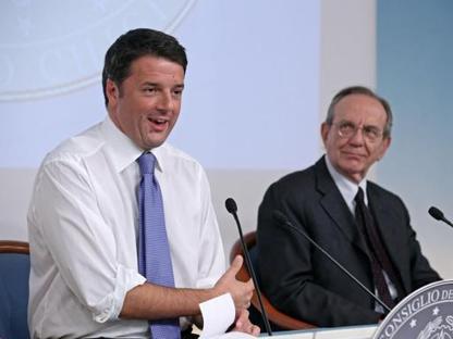 Matteo Renzi con il ministro dell'Economia  Pier Carlo Padoan