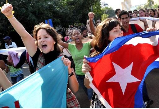 Studenti in festa a L'Avana   (Afp)