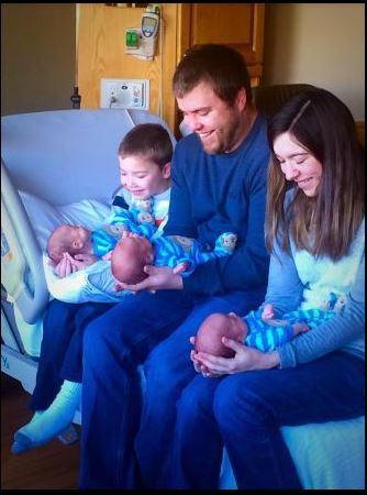 Siamo uno su un milione il parto raro dei tre gemelli - Gemelli monozigoti diversi ...