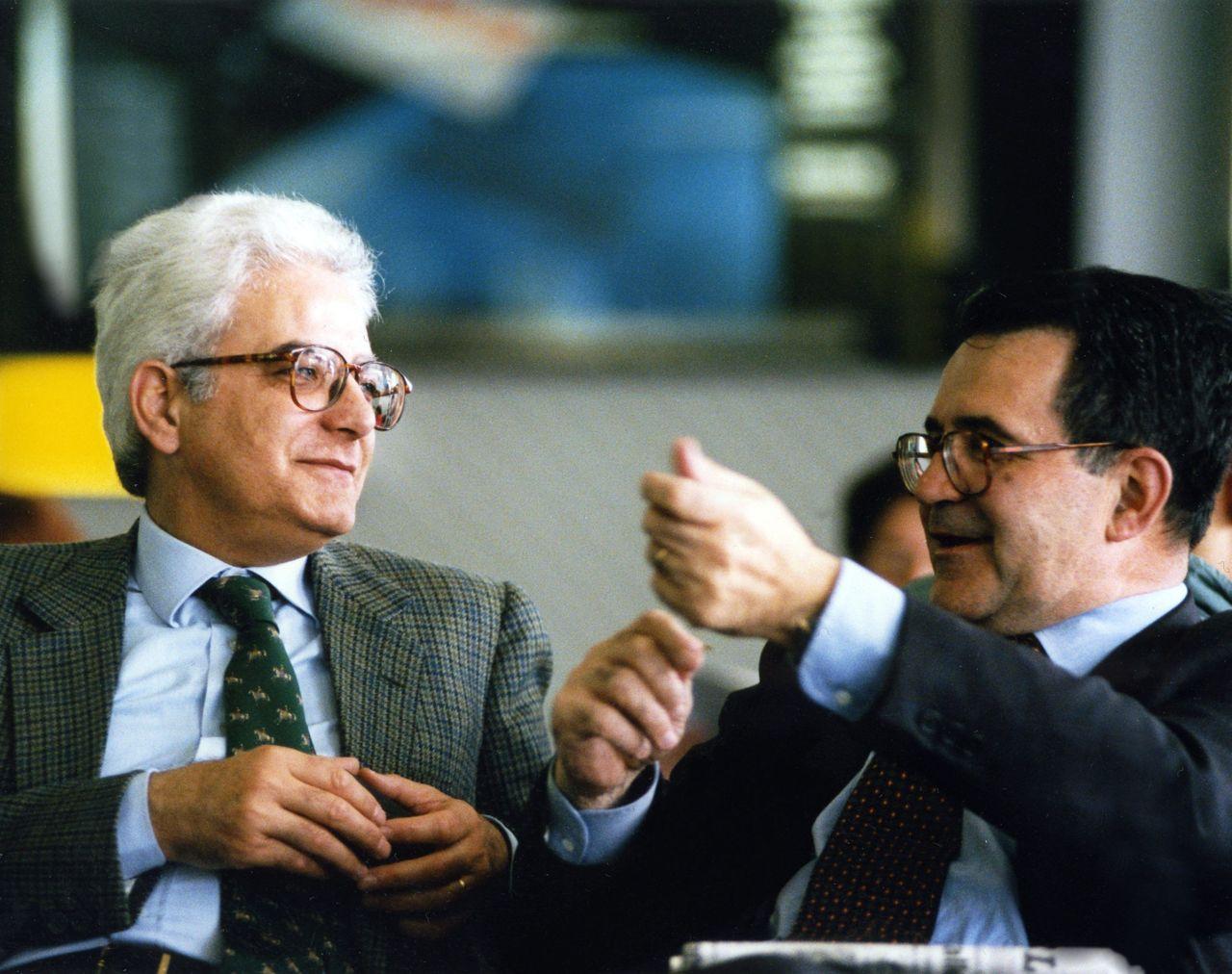 Tribuna libera il nuovo presidente della repubblica for Seggi parlamento italiano