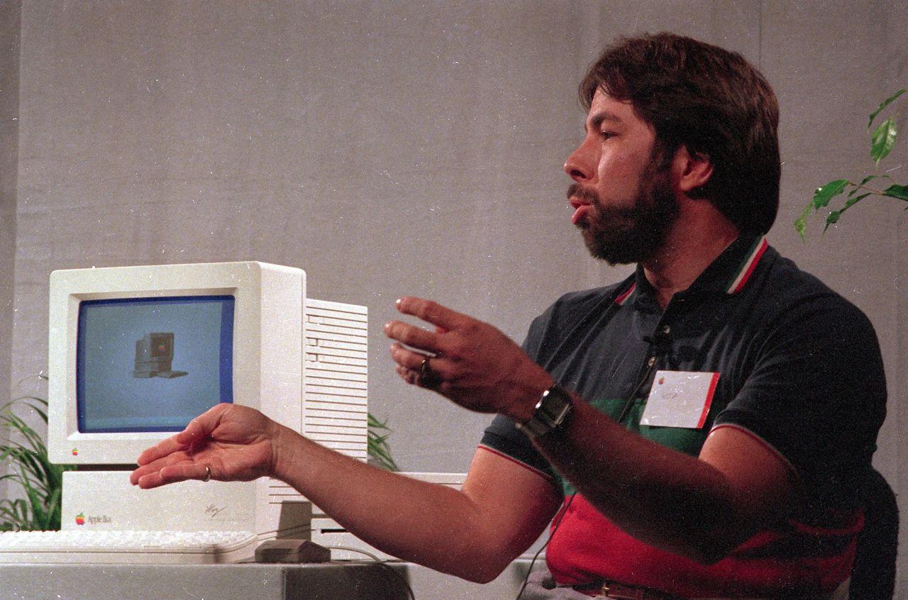 Apple il sogno di steve jobs 40 anni dopo l incontro in for Progettista di garage virtuale