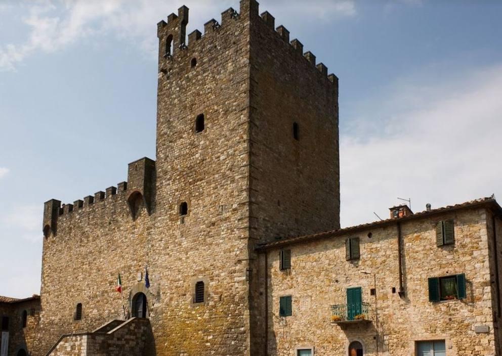 Toscana in vendita il castello pi grande del mondo for Migliore casa del mondo in vendita