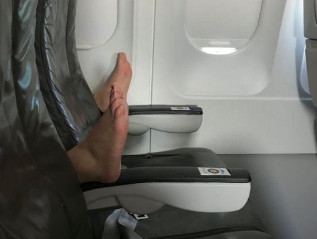 I peggiori comportamenti dei passeggeri in aereo