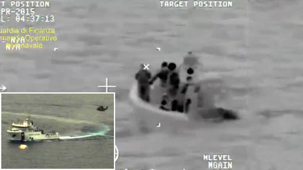 L'arrivo della  Guardia Costiera  sul luogo della tragedia