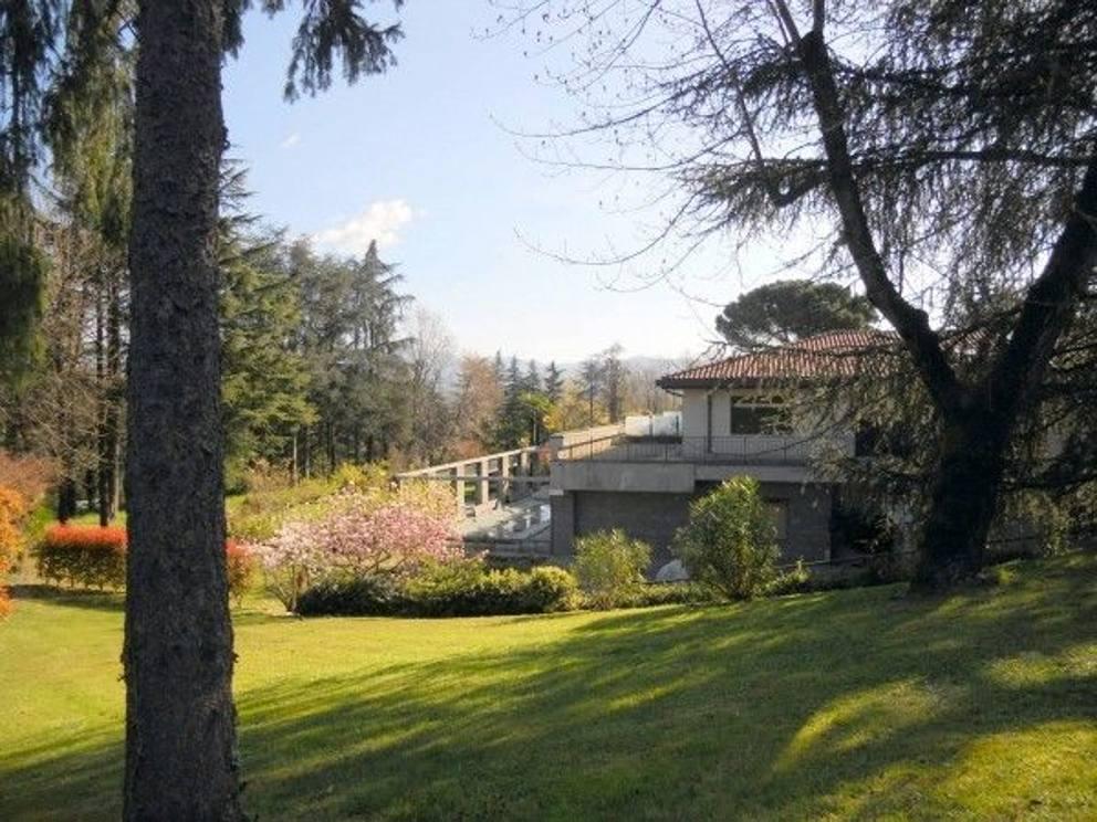 In vendita villa aurora fu la casa di ramazzotti e for Casa la villa