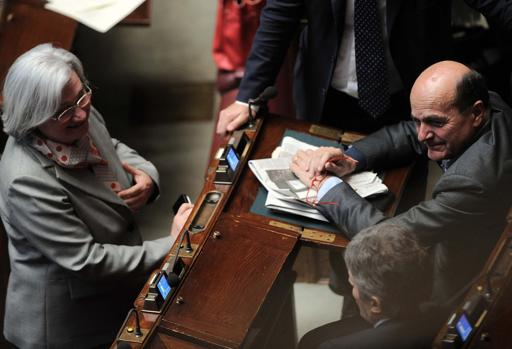 Rosi Bindi e Pierluigi Bersani alla Camera (Lapresse)