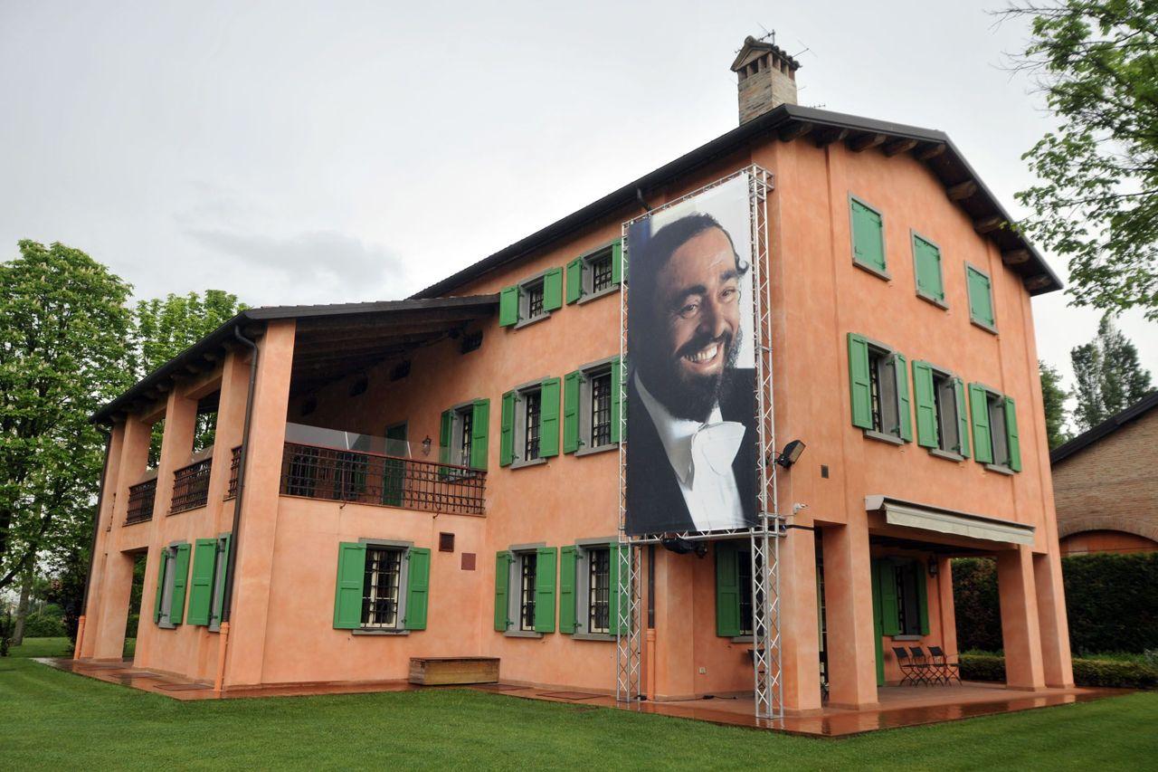 Modena Ecco La Casa museo Di Pavarotti Corriereit