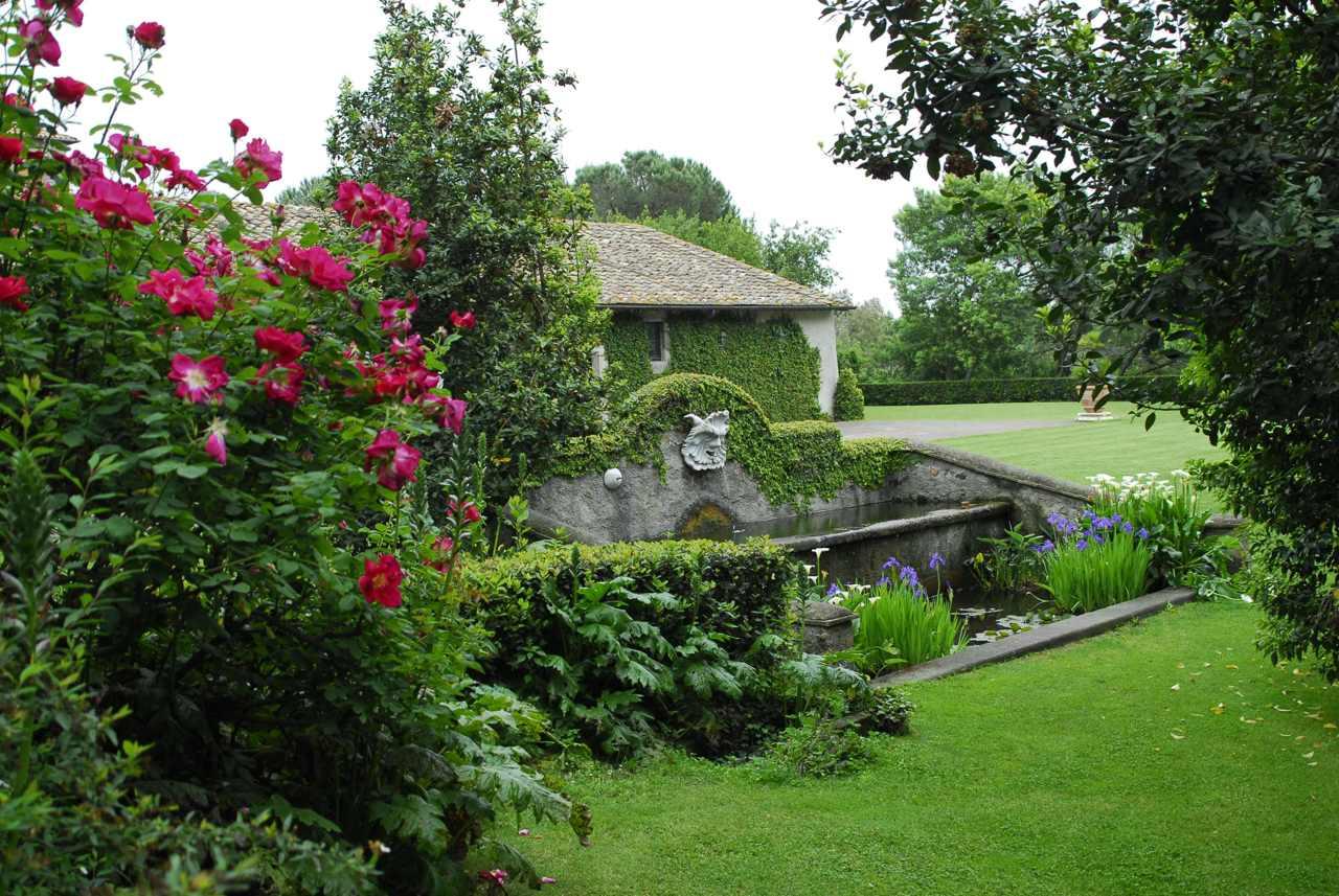 In nome della rosa 33 roseti italiani da sogno for Giardini giapponesi roma