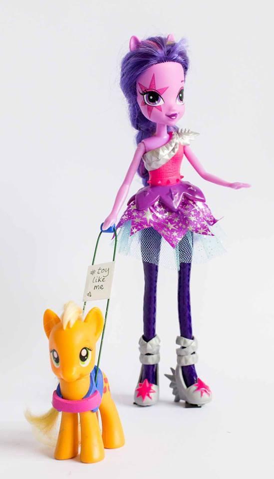 Un giocattolo come me le bambole disabili nate dall for Genio in sedia a rotelle