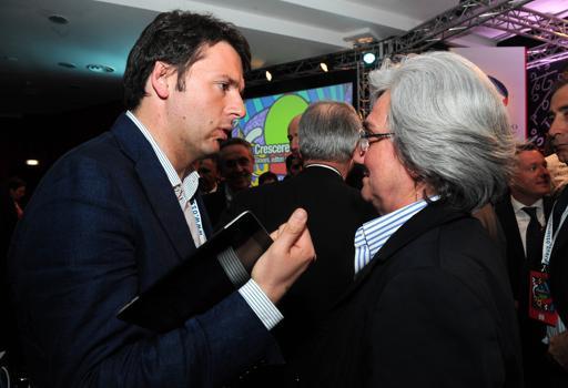 Matteo Renzi e  Rosy Bindi  in una foto d'archivio (Imagoeconomica)