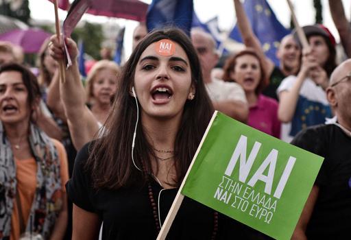 Migliaia in piazza ad Atene:  manifesta il fronte del �s�