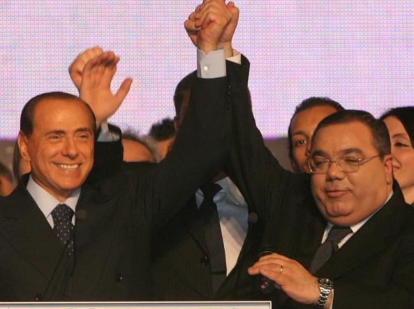 Silvio Berlusconi e Sergio De Gregorio in un'immagine di archivio (Ansa/Fusco)