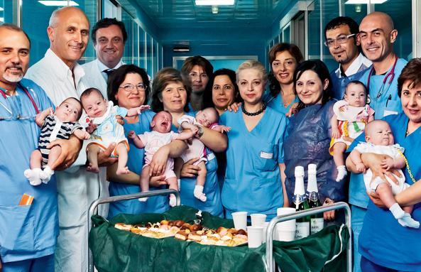 Il giorno della nascita dei sei gemellini all'ospedale beneventano Rummo