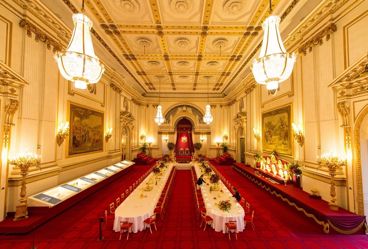 Buckingham Palace, i banchetti non hanno più segreti ...