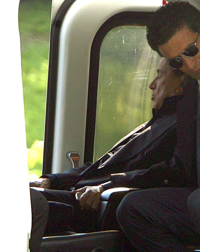 Elicottero Silvio Berlusconi : Silvio berlusconi incidente in barca a saint tropez