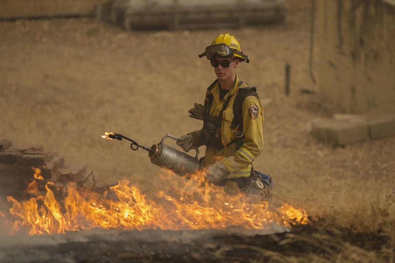 Emergenza incendio in california centinaia di case for Case moderne nel sud della california