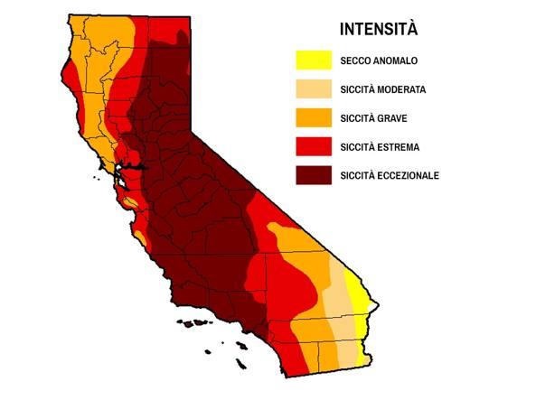California stato di emergenza per gli incendi un morto e for Case mediterranee della california