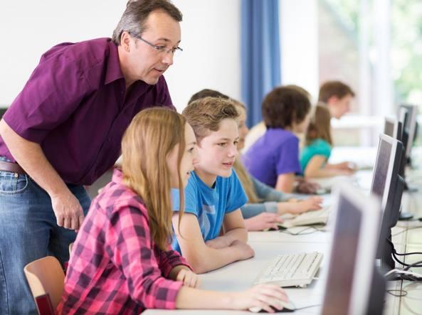 Tecnologia a scuola, Ocse: se è troppa, peggiora l'apprendimento