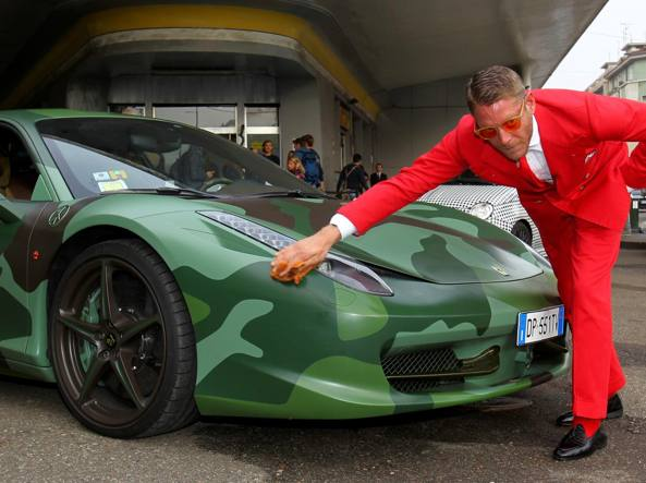 Garage italia customs il garage di lapo elkann per l auto for Piani da sogno per il garage