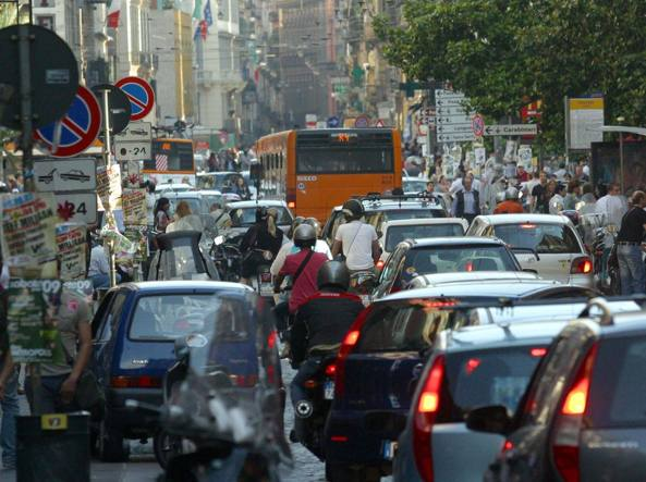 Traffico a Napoli (L. Ferrara)