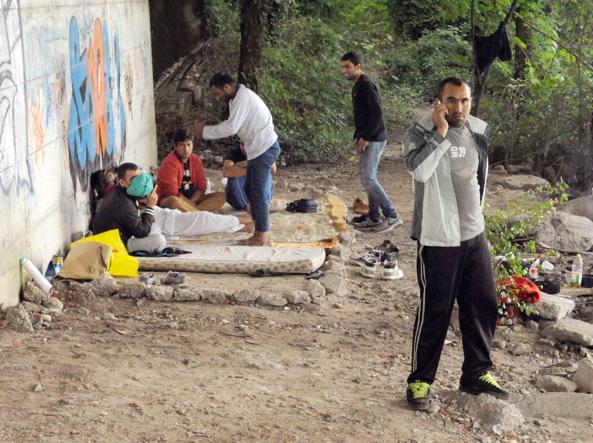 Uno degli accampamenti dei migranti sull'Isonzo (Stefano Cavicchi)