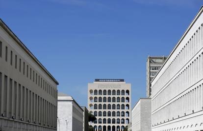 Palazzo della civilt italiana il colosseo quadrato di for Palazzo della civilta italiana fendi