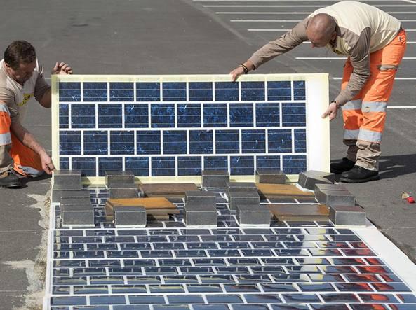 Wattway, la prima strada solare al mondo adatta al traffico automobilistico