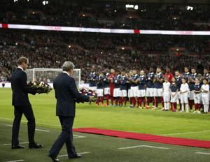Il principe William  sul prato di Wembley