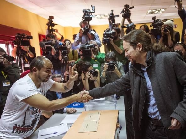 Pablo Iglesias, leader di Podemos, non ha vinto ma il suo partito pu� festeggiare