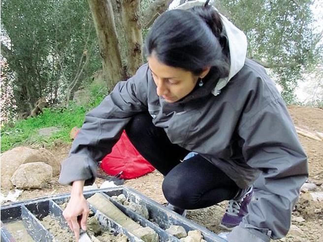 Dall'ocra al terra di Siena Laura, la cacciatrice di colori che fa vivere i luoghi perduti