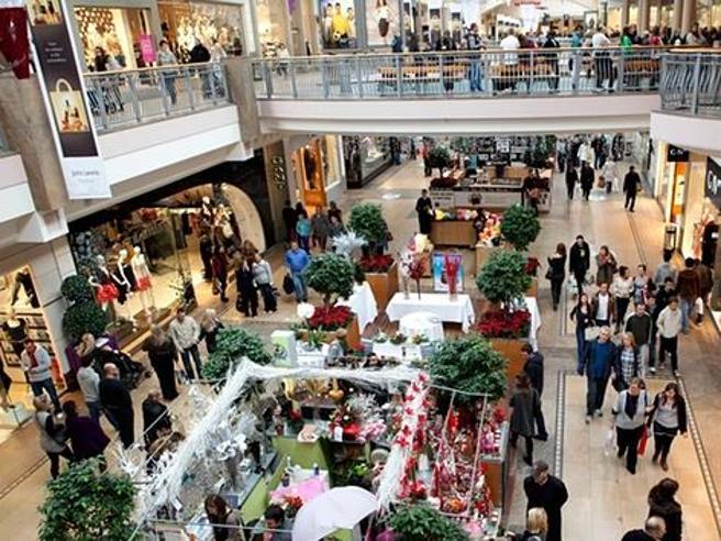 Natale tra code e  rush finale per gli acquisti