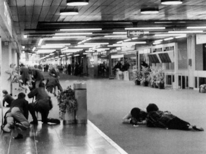 Il terrore di  Abu Nidal: 30 anni fa le stragi di Fiumicino e Vienna