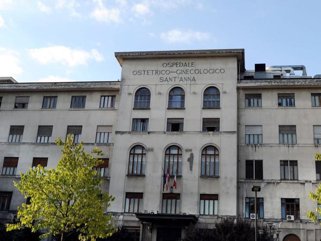 Torino: mamma e bimba muoiono in sala parto, il padre assale i medici