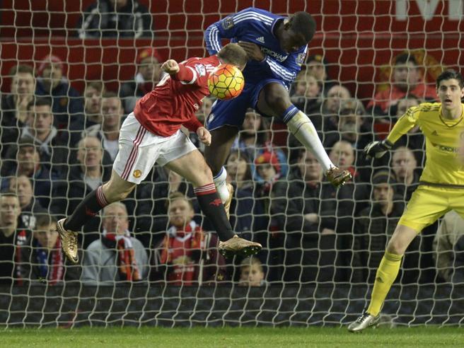 Premier League in campo: Arsenal per il titolo d'inverno, Manchester United per salvare Van Gaal