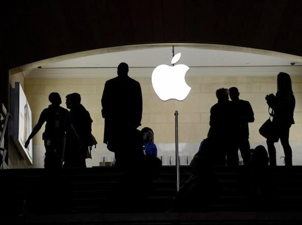 Evasione fiscale, Apple Italia accetta accordo: pagherà 318 milioni di euro