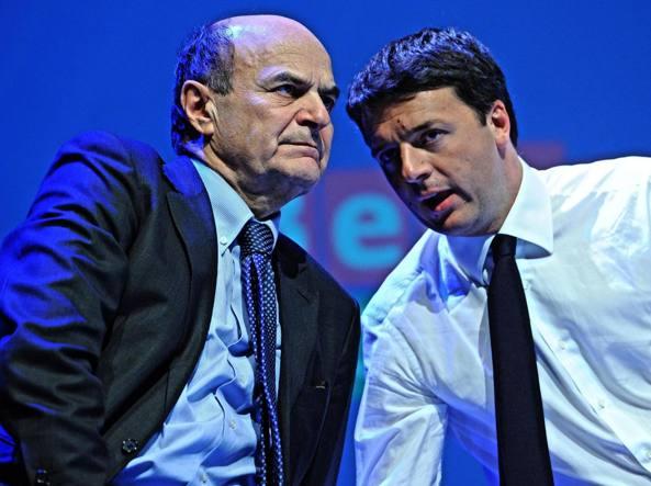 Pierluigi Bersani e Matteo Renzi (Ansa)