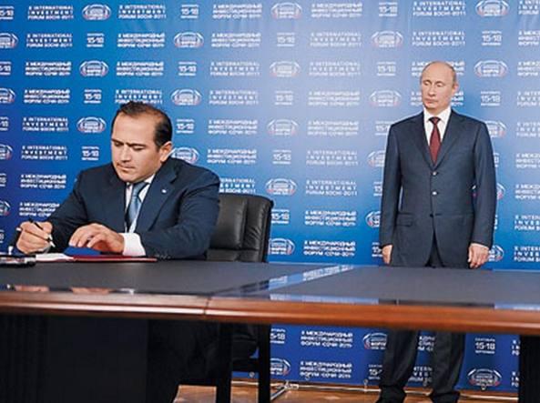 Kovalevskiy (a sinistra) con il presidente russo Putin