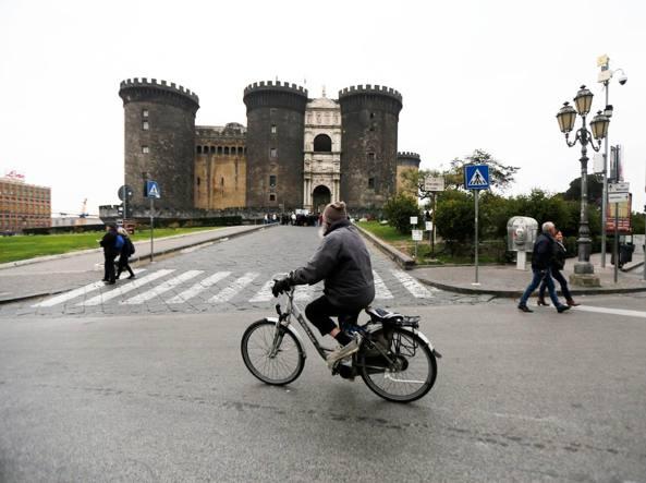 Il blocco del traffico a Napoli (Garofalo/Fotogramma)