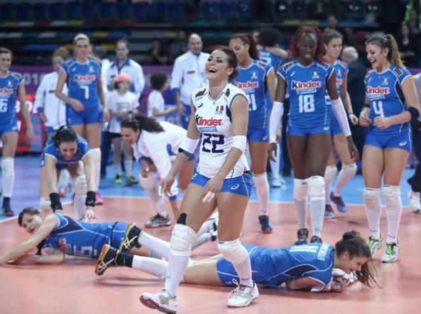 L'esultanza dell'Italia dopo la vittoria (Afp/Altan)