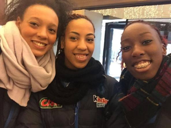 Valentina Diouf, Sara Bonifacio e Paola Egonu (foto da Instagram @durbansmile)
