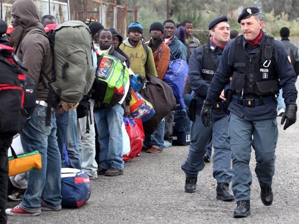Controlli di polizia a Reggio Calabria (Ansa)