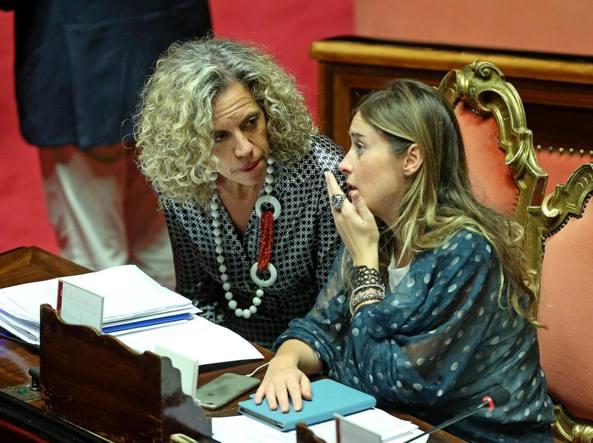 Monica Cirinnà con il ministro Maria Elena Boschi (Ansa)
