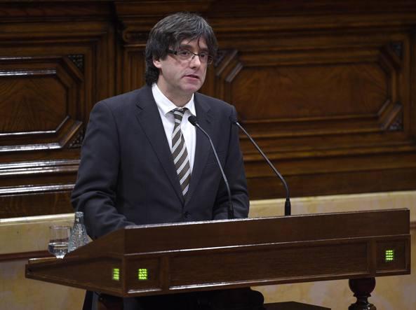 Carles Puigdemont nel suo discorso di investitura (Afp)