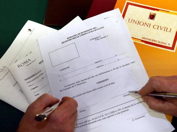 Slitta di due giorni la discussione in Aula delle unioni civili (Archivio Corriere)
