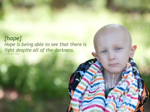 L'immagine di Dorian su Facebook. La didascalia recita: �La speranza � essere capaci di vedere che c'� luce nonostante tutta l'oscurit�