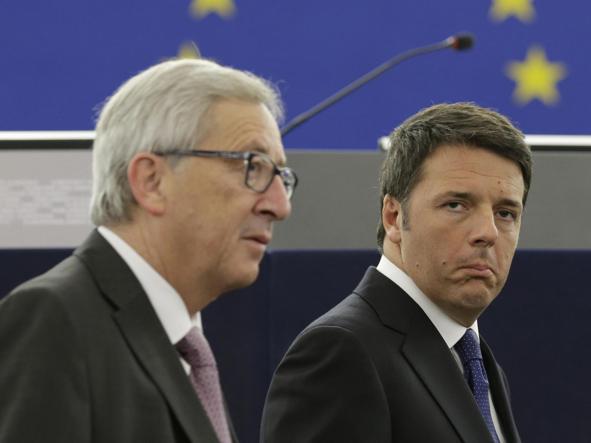 Il presidente della Commissione Ue, Jean Claude Juncker, e Matteo Renzi